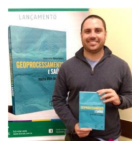 Professor Samuel de Almeida foi um dos autores convidados para contribuir em livro