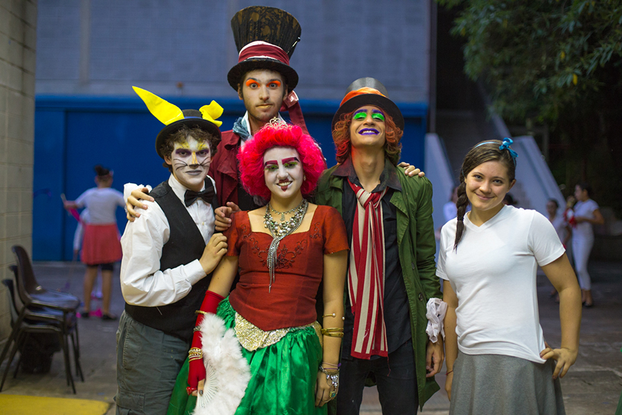 Grupo de Teatro Rio Branco apresenta Alice