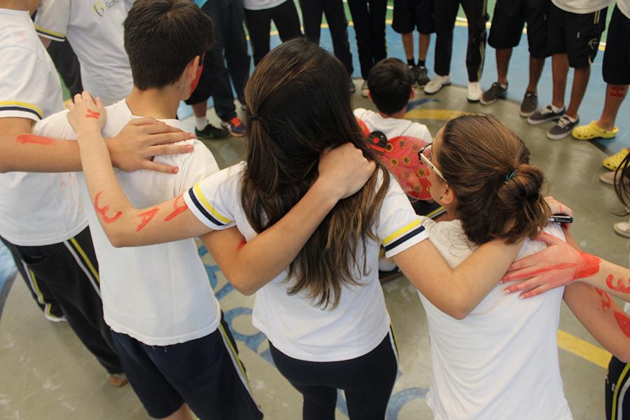Alunos do 9º ano participam de gincana escolar