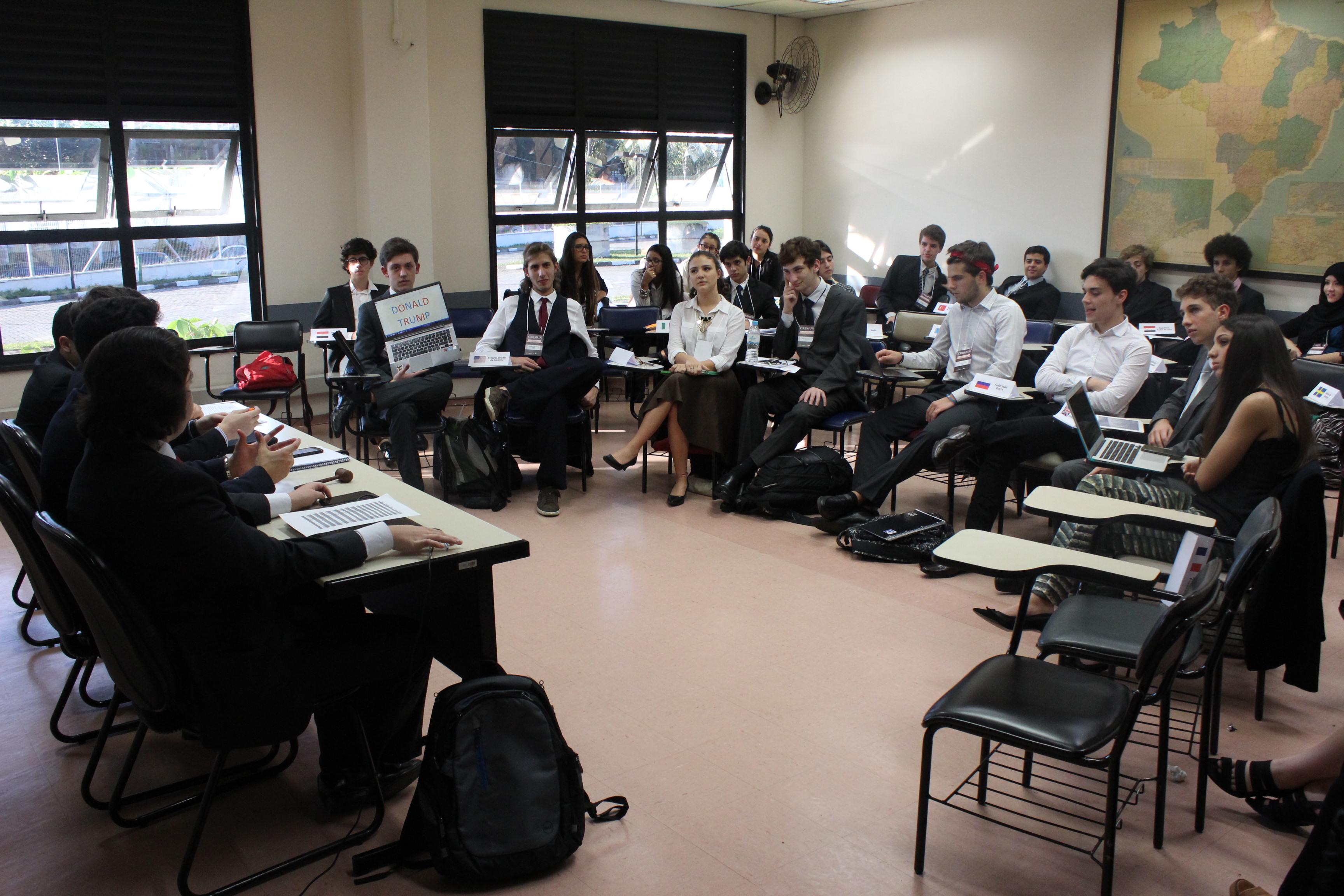 CRBMUN: Tensões militares e os caminhos para a diplomacia