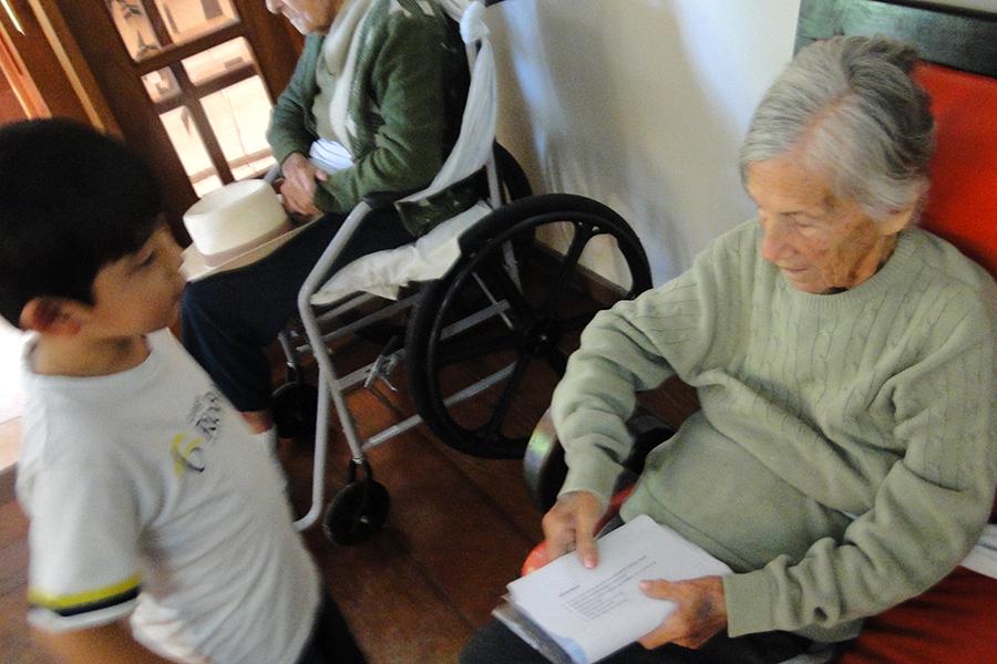 Projeto Ser Criança - Visita especial a idosos
