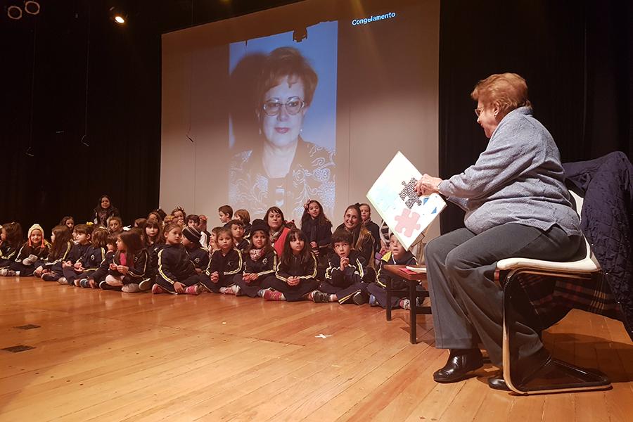 Homenagem à professora Maria Olívia Valentini Montenegro
