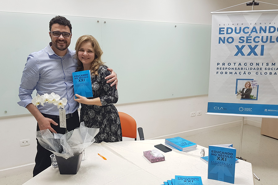 Lançamento do Livro - Educando no século XXI