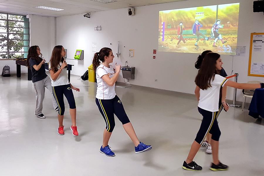 Quarta-feira Esportiva: escola promove amistosos e recebe campeão do Basquete