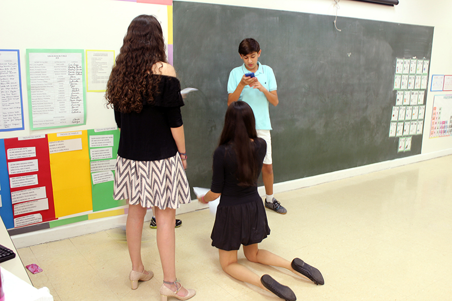 Jovem em Perspectiva: alunos apresentam peça em espanhol e debatem o tema Trabalho Infantil