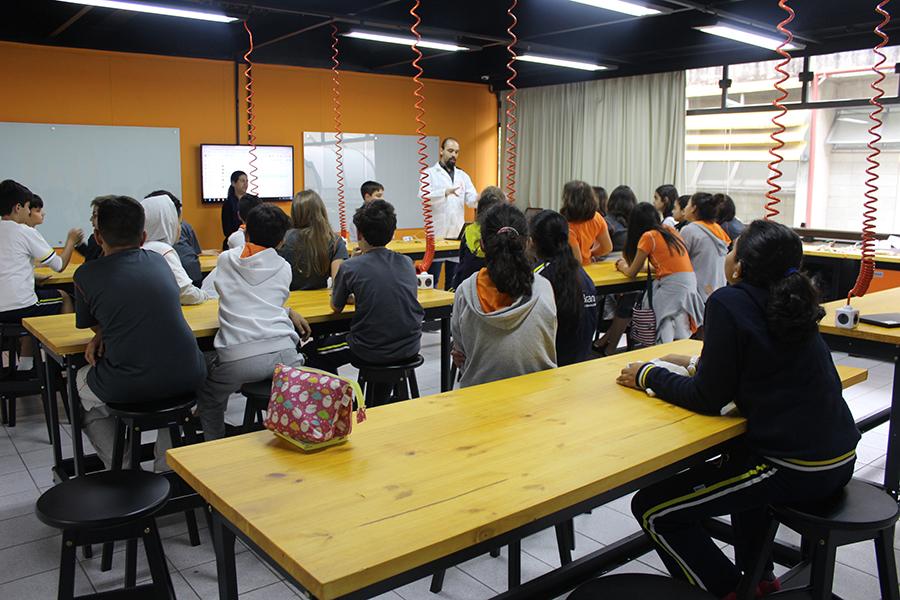 O colégio inaugurou o CreateLAB
