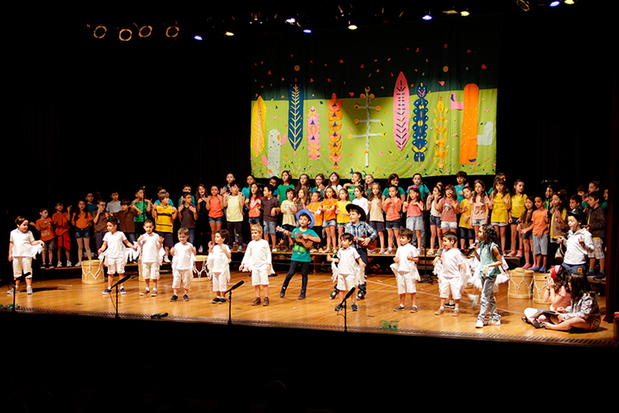 Alunos de Higienópolis encerram o ano com o espetáculo 'Juntos por um mundo melhor'