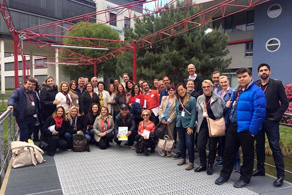 Diretora visita escolas e universidades na Alemanha, Estônia e Finlândia