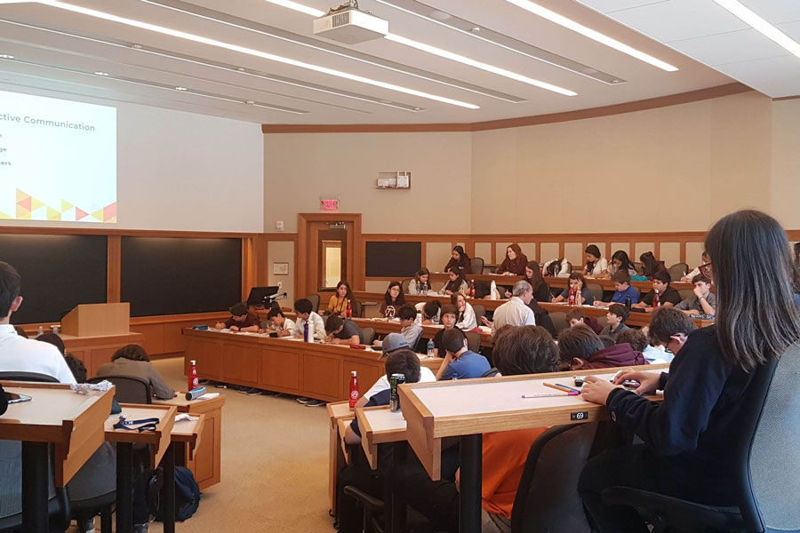 Alunos realizam atividades acadêmicas em Harvard, MIT e Bentley