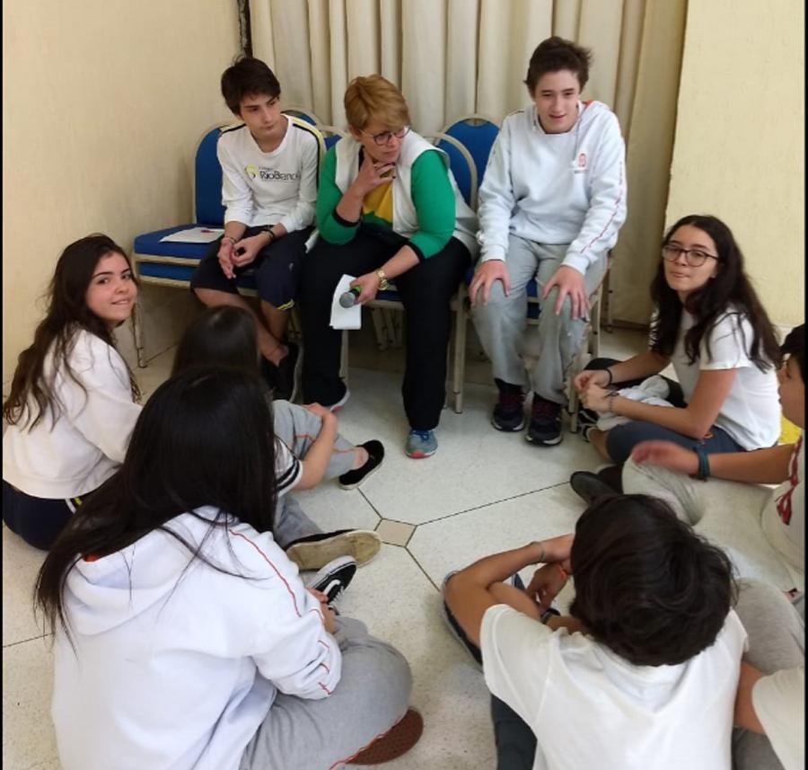 Jovem em Perspectiva: alunos trabalham a empatia durante Caça ao Tesouro