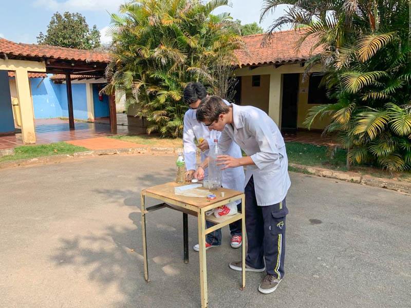 Monitoria faz ações de responsabilidade social na Fundação Maria Carolina
