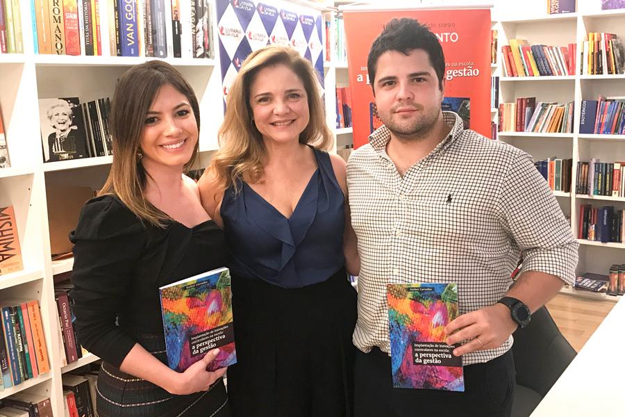 Diretora-Geral do Rio Branco lança livro sobre implantação de inovações curriculares